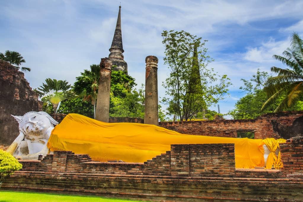 1-ayutthaya-wat-lokayasutharam