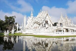 Familie Kl: Besuch in Chiang Rai beim Wat Rong Khun