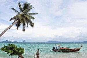 Familie Kl: In Koh Ngai im Thapwarin Resort